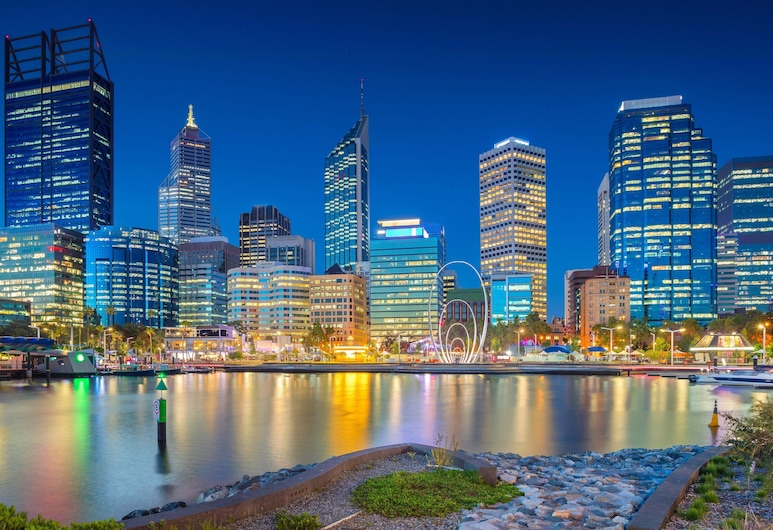 Holiday Inn Perth City Centre, Perth, Lake