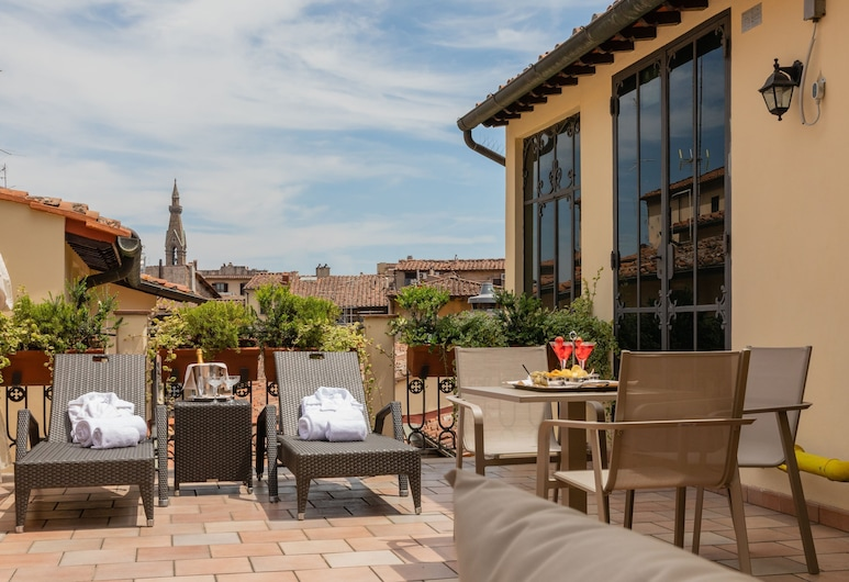 Bernini Palace, Florence, Terrace/Patio