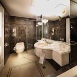 디럭스 패밀리 트윈룸 (27시간 숙박, 체크인 12:00시, 체크아웃 15:00시) - 욕실