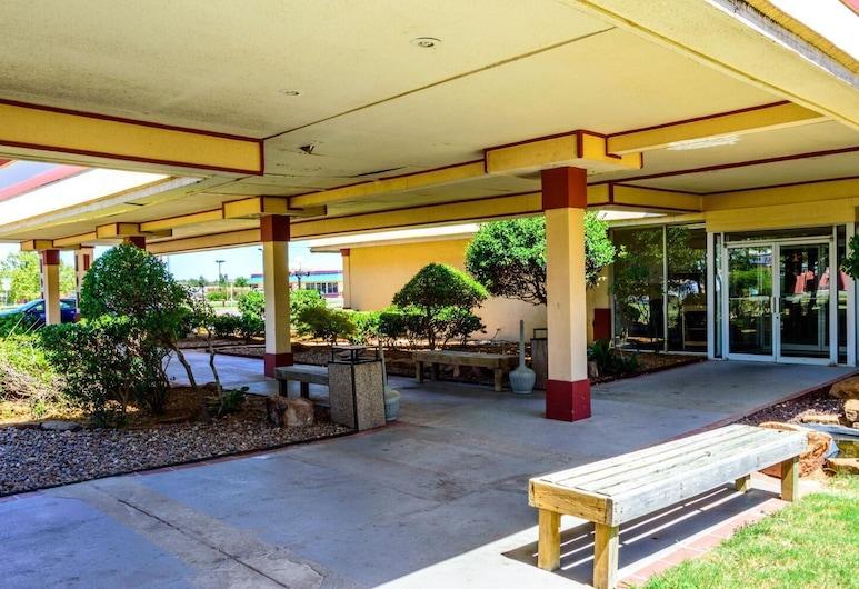 Executive Inn Hotel & Conference Centre, Lawton, Balcón