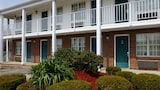 Reserve this hotel in Xenia, Ohio