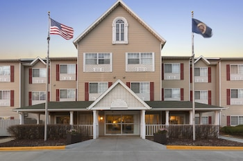 Picture of Country Inn & Suites by Radisson, Rochester, MN in Rochester