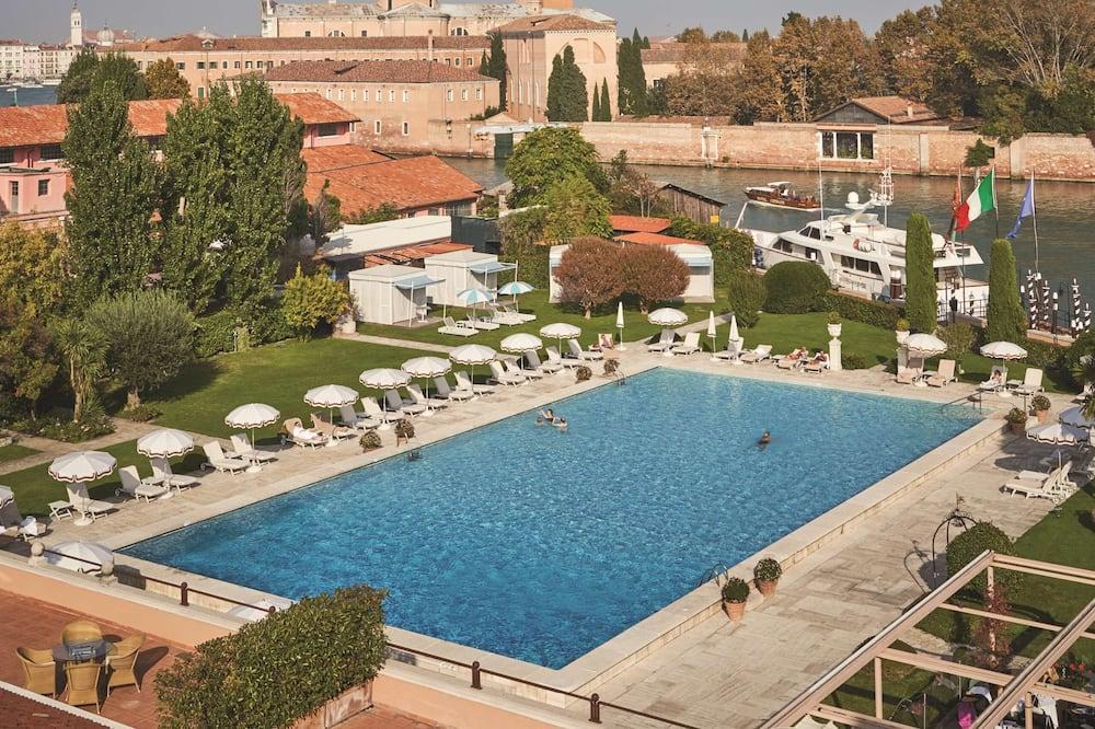 Junior suite, Aan het zwembad (Poolside) - Buitenzwembad