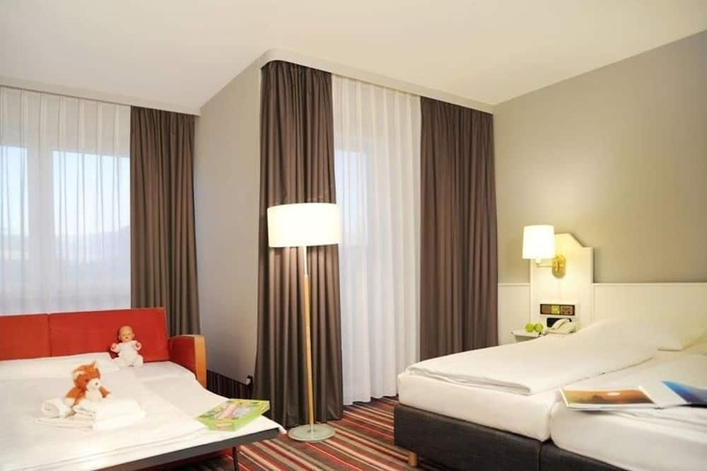 Privilege, Double Room, 1 Double Bed with Sofa bed - Guest Room