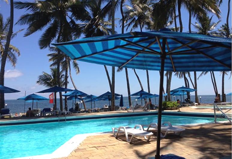 Kenya Bay Beach Hotel, Mombasa, Välibassein