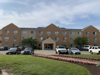 15 Closest Hotels to Mall at Fairfield Commons in
