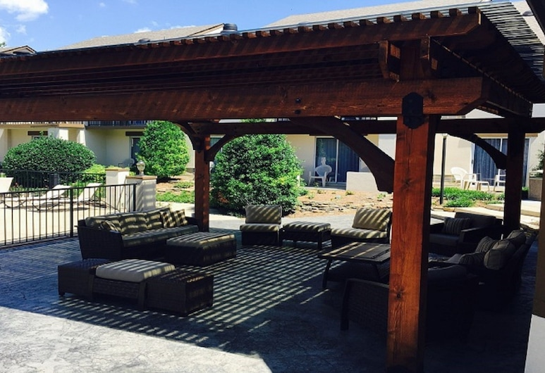 Club - Hotel Nashville Inn & Suites, Nashville, Teres/Laman Dalam