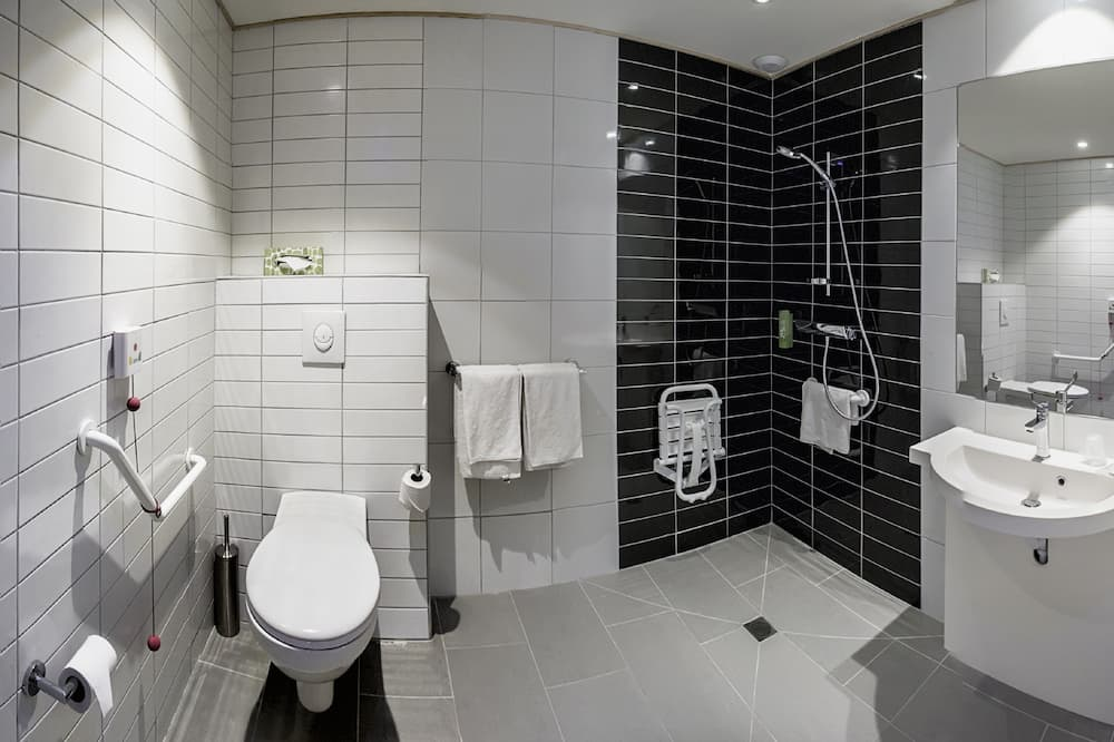 Room, Accessible, Non Smoking (Roll-In Shower) - Bathroom