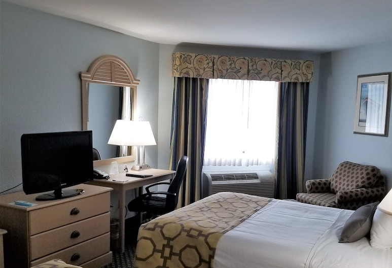 Baymont by Wyndham Manitowoc Lakefront, Manitowoc, Room, 2 Double Beds, Non Smoking, Guest Room