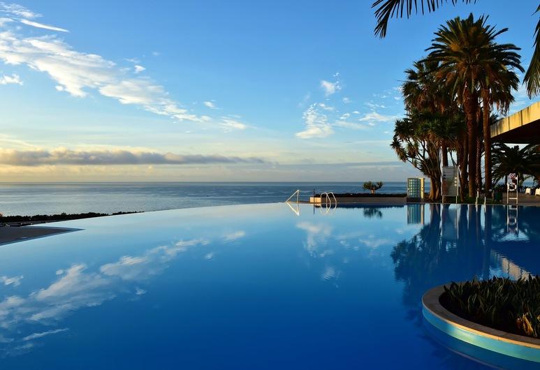 佩斯塔納卡西諾公園飯店 & 賭場, 芳夏爾, 室外游泳池