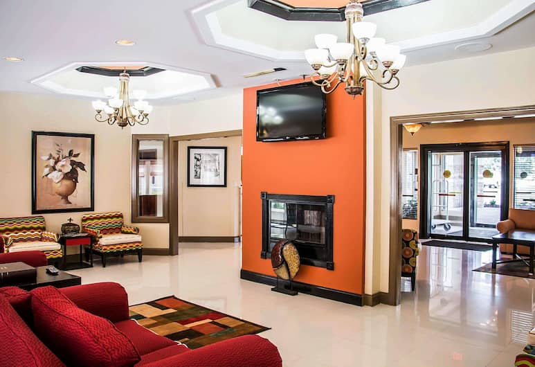 Clarion Inn & Suites Savannah Midtown, Savannah, Lobby