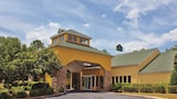 Book this Free Breakfast Hotel in Valdosta