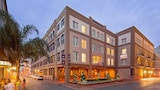 Choose This Romantic Hotel in New Orleans -  - Online Room Reservations