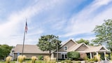Book this Pet Friendly Hotel in Brookfield