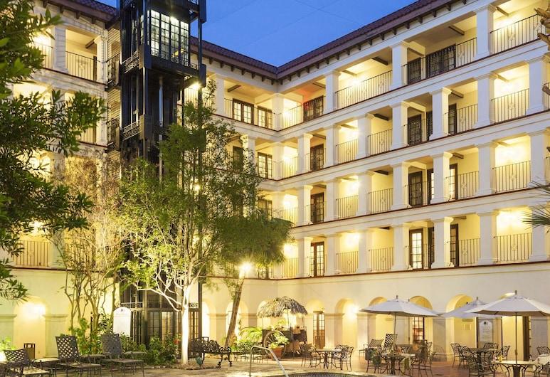 DoubleTree by Hilton Hotel San Antonio Airport, San Antonio, Havuz