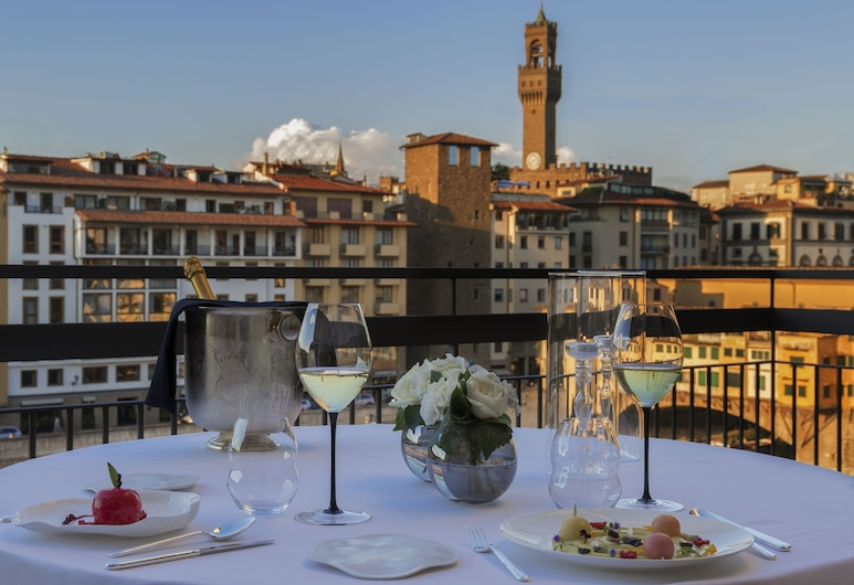 Hotel Lungarno - Lungarno Collection , Florence, Executive Double Room, Terrace, River View, Guest Room