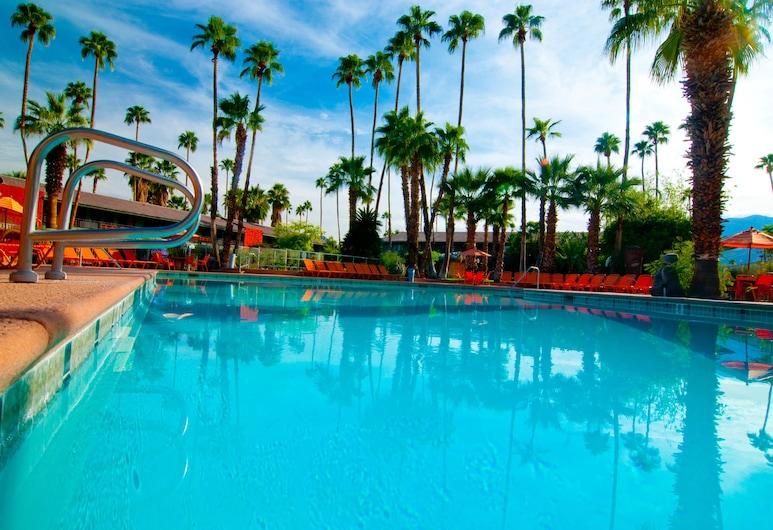 卡琳特熱帶飯店, 棕泉市, 室外游泳池