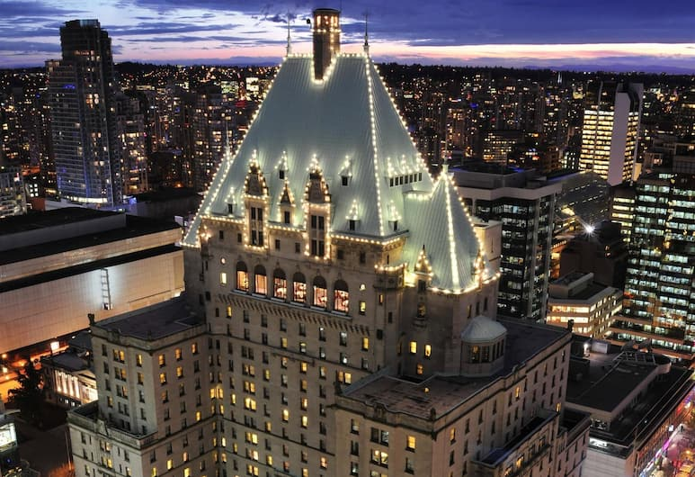 Fairmont Hotel Vancouver, Vancouver, Hotel Front – Evening/Night