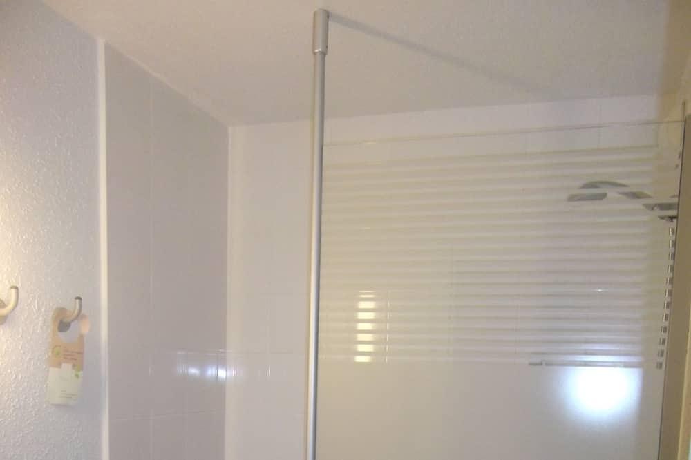 Kolmen hengen huone, Useita sänkyjä - Kylpyhuone