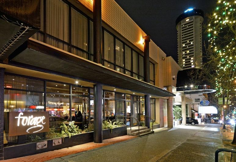 The Listel Hotel Vancouver, Vancouver, Fachada do hotel (à noite)