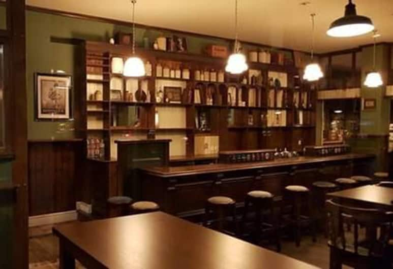 X Tra Hotel, Zurich, Restoran