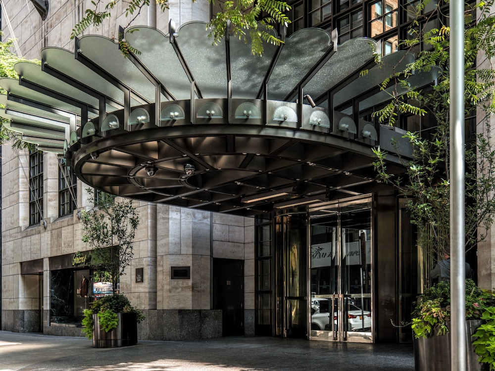 Four Seasons Hotel New York, New York, Hotellinngang