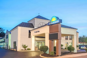 Picture of Days Inn by Wyndham Salem in Roanoke