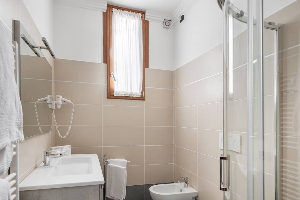 Appartement, 2 chambres, vue canal, dans les dépendances - Salle de bain