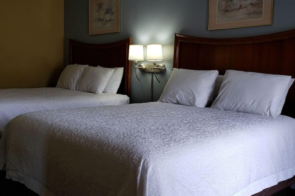 Стандартний номер, 2 ліжка «квін-сайз», для некурців - Номер