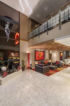 Gambar Poco Inn and Suites Hotel & Conference Centre di Pelabuhan Coquitlam