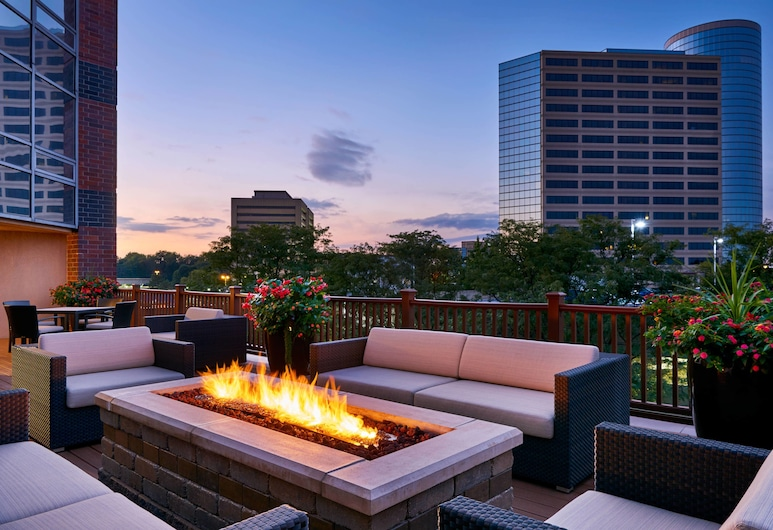 Sheraton Indianapolis Hotel at Keystone Crossing, Індіанаполіс, Тераса/внутрішній дворик