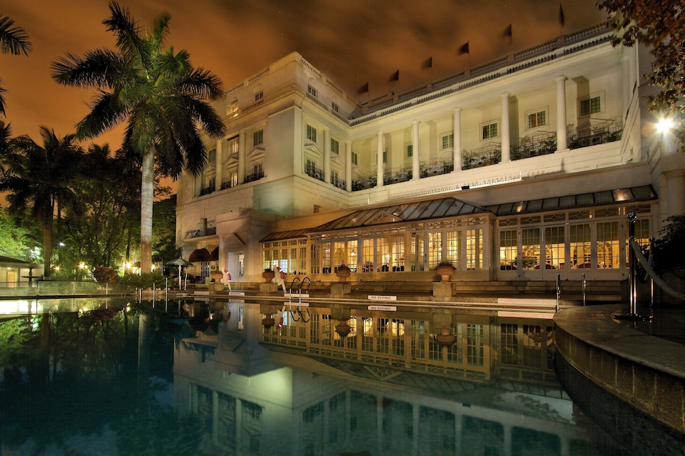 Itc Windsor A Luxury Collection Hotel Bengaluru Outdoor Pool