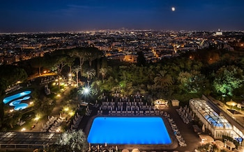 Choose This Business Hotel in Rome -  - Online Room Reservations