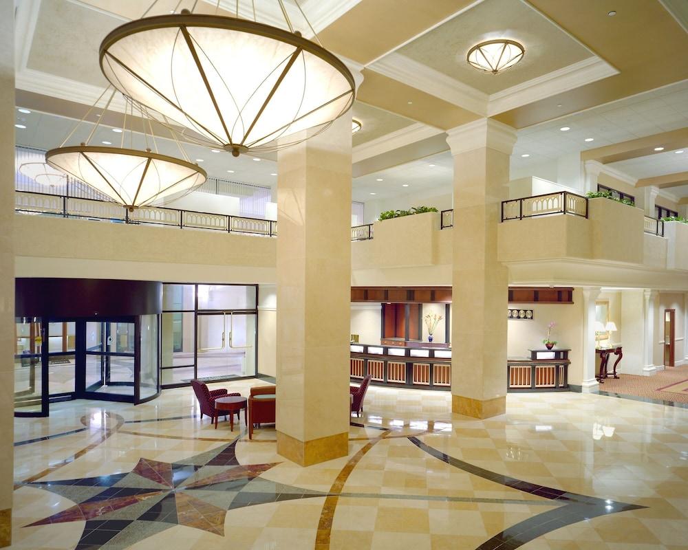 Sheraton Pentagon City Hotel Arlington Interior Entrance