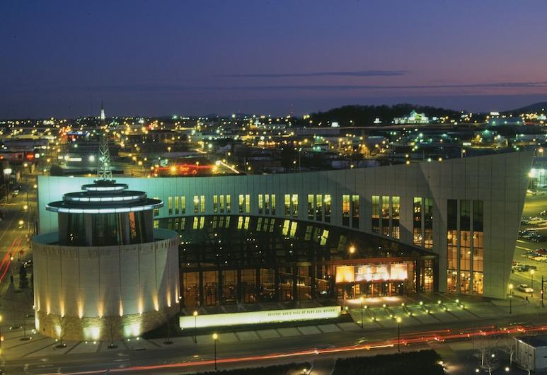 Nashville Airport Marriott, Nashville, Fachada do hotel (à noite)