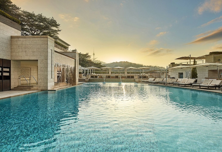 The Shilla Seoul, Seoul, [Morning PKG] Deluxe Double Room (Outdoor Pool access from 09:00 to 12:00 on check-out date), Guest Room