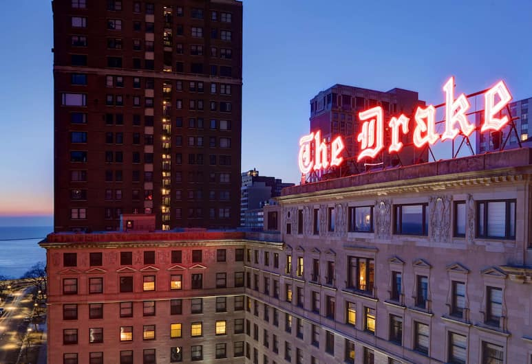 The Drake, a Hilton Hotel, Chicago, Buitenkant
