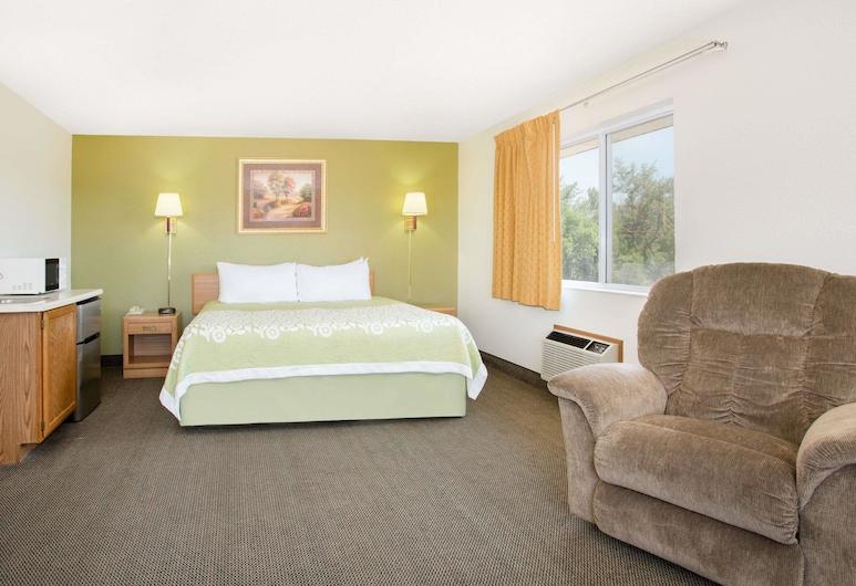 Days Inn by Wyndham Ogallala, Ogallala, Suite, 1 cama king-size, Frigorífico e Micro-ondas, Quarto