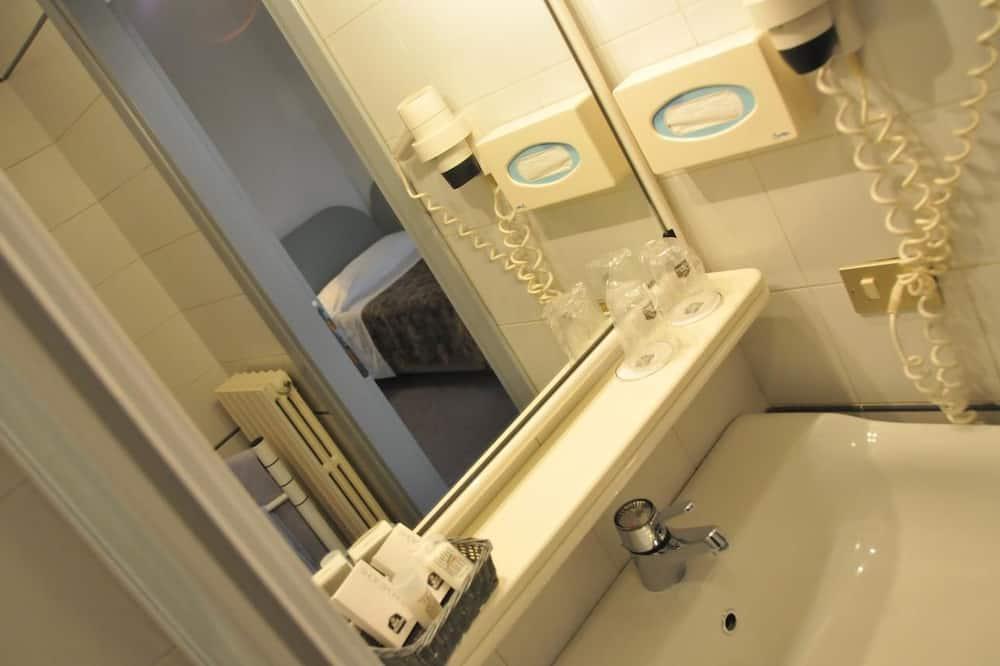 經濟雙人或雙床房 - 浴室