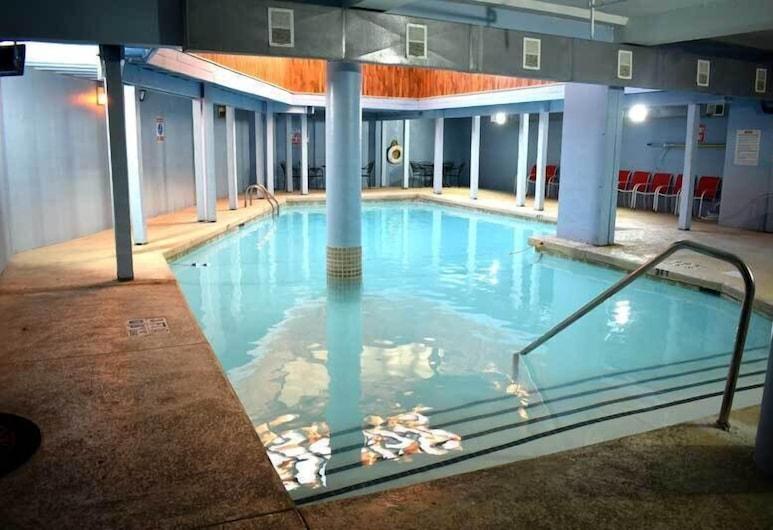 Best Host Inn Plaza Kansas City South, קנזס סיטי, בריכה מקורה