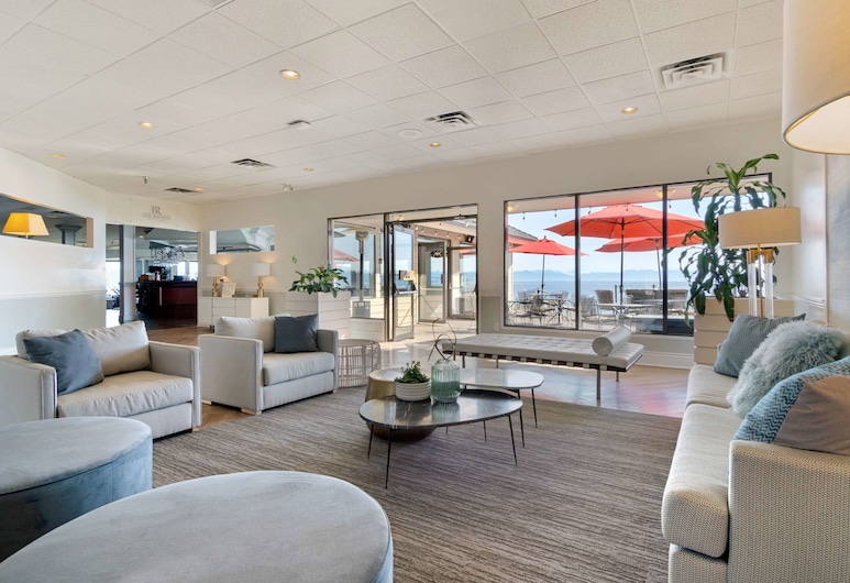 Bayside Resort, Ascend Hotel Collection, Parksville, Lobby