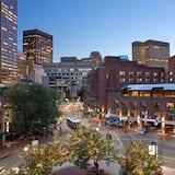 The Bostonian Boston, Boston