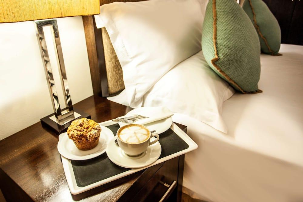 Avani Suite - Odada Yemek Servisi