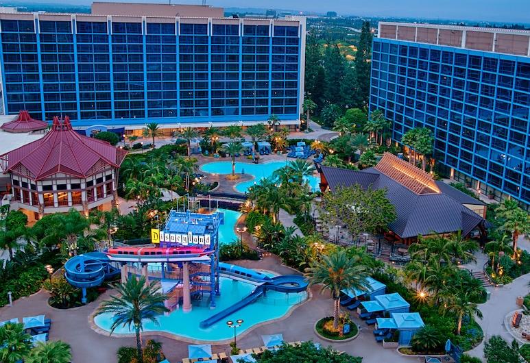 Disneyland Hotel, Анагайм