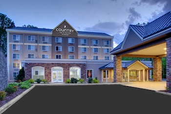 Picture of Country Inn & Suites By Carlson Asheville Downtown Tunnel Rd in Asheville