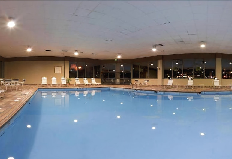 Holiday Inn Cleveland-S Independence, Independence, Indoor Pool