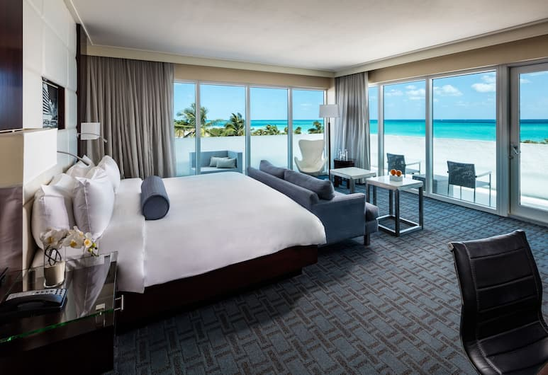 Eden Roc Miami Beach, Miami Beach, Legendary Suite- King Bed Ocean View, Guest Room View