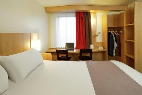 布魯塞爾機場宜必思飯店/