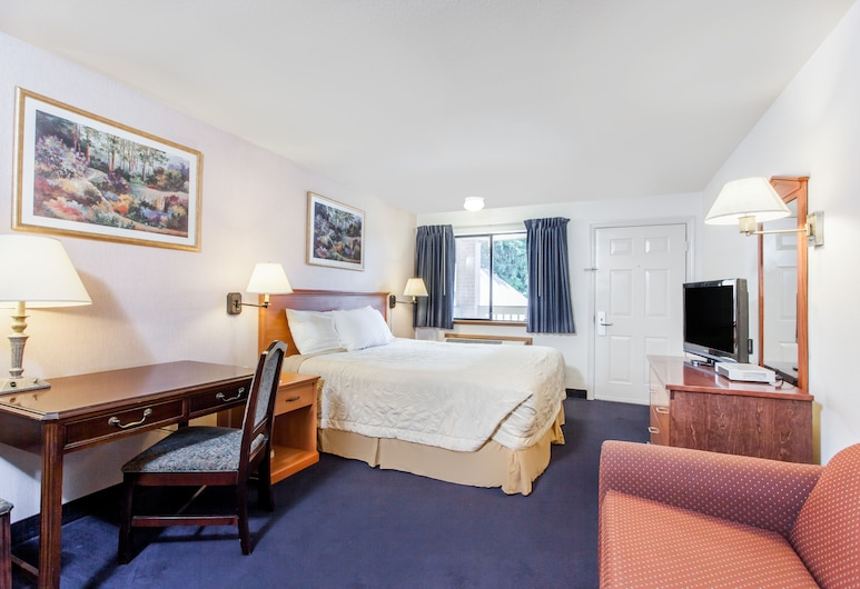 Travelodge by Wyndham Seattle North/Edmonds, Edmonds, Efficiency, Room, 1 King Bed, Non Smoking, Guest Room