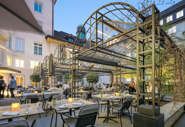 Glockenhof Zürich, Zurich, Tempat Makan Luar